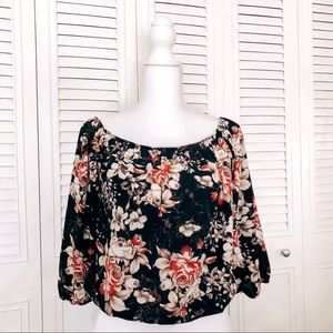 Tops - ✨Floral Long Sleeve Cropped Style Top✨